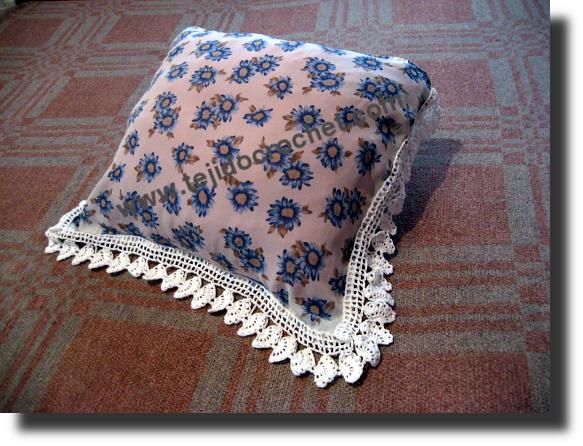 Puntilla para almohadón a crochet