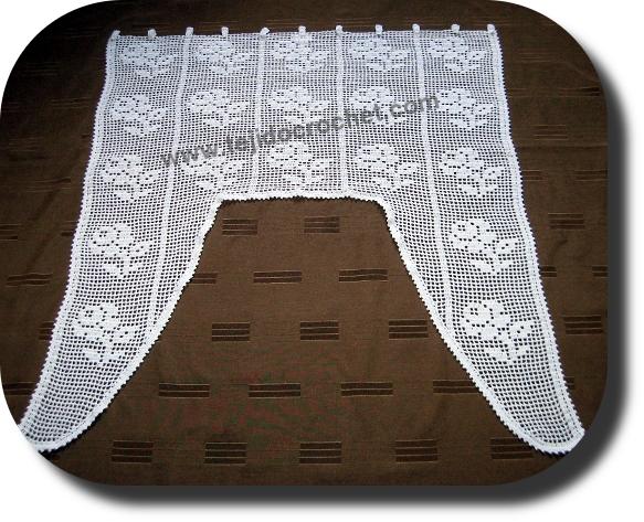 Visillo tejido a crochet