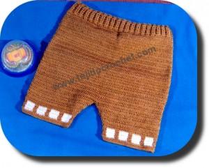 Pantalón corto tejido a crochet