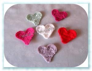 Mini corazones tejidos a crochet