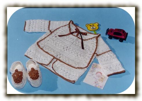 Batita Babero y Escarpines a crochet