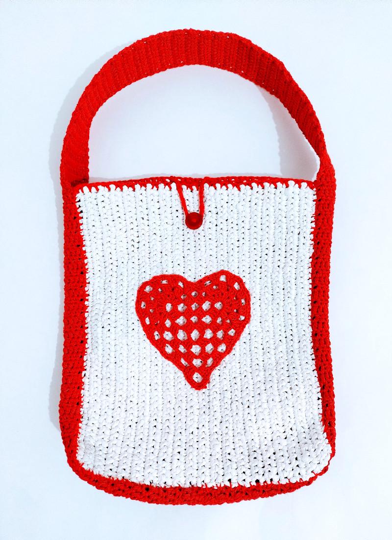 Bolso a crochet diseño corazón
